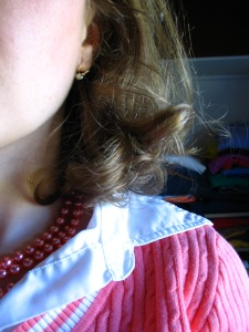 Pearls, curled hair, yeah, this is my beautiful moment.