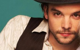 eye-candy-andrew-lee-potts-8